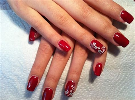 Nail Arts Latest Designs : Classic Nail Art Pictures