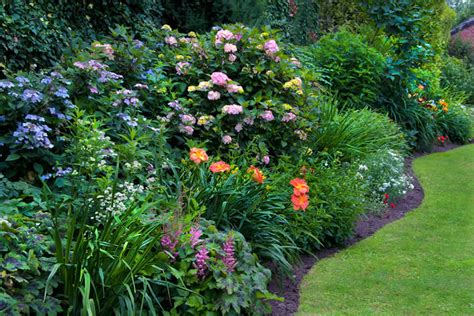 traditional garden flowers garden design styles english cottage traditional glorious gardens sussex