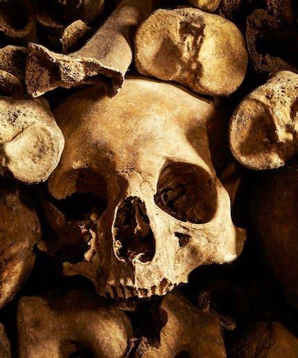 Airbnb Halloween Paris Catacombs
