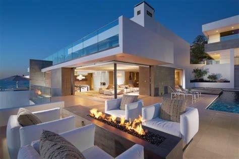 Moderne Häuser Am Meer by Terrasse Aus Glass Und Luxus Feuerstelle Im Wei 223 En Haus