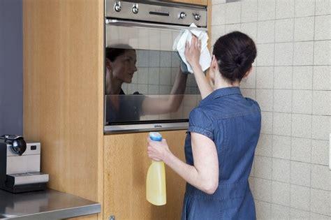 nettoyage cuisine comment nettoyer une cuisine rapidement envie de plus
