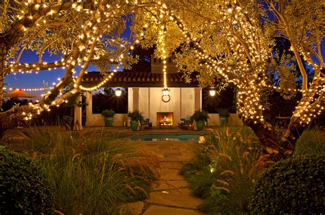 You can please those little angels you invited in the party with such interesting decoration. Backyard party lights | Outdoor furniture Design and Ideas