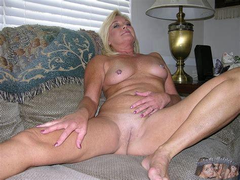 Amateur Blonde Mature MILF Modeling Nude Photo Gallery Porn Pics Sex Photos XXX GIFs