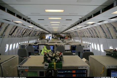 interieur d un boeing 777 alalumieredunouveaumonde a l interieur d un avion a chemtrail