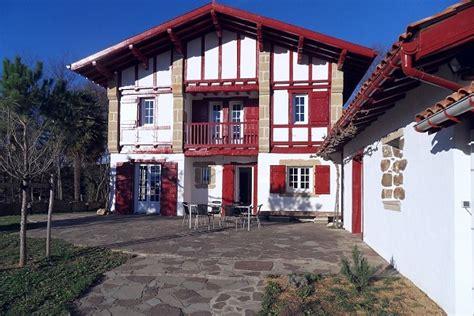 chambre bretonne maison typique du pays basque