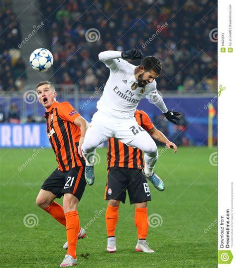 Saat di alfredo dtefano stadium, shakhtar bermain efektif. UEFA Champions League Game Shakhtar Vs Real Madrid ...
