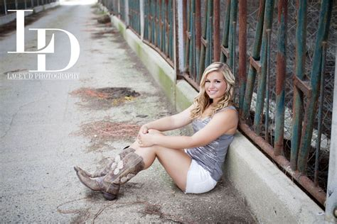lacey  photography senior portrait photographer class