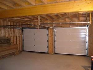 les deux portes de garage vues de l interieur maison With porte de garage de plus portes interieures bois