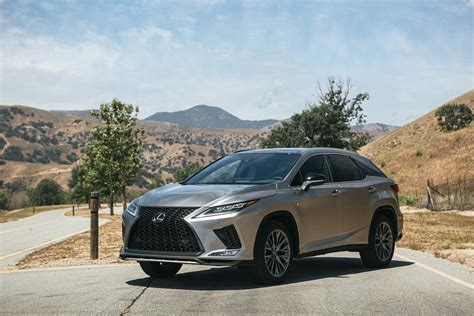 2020 lexus rx gets a a tuck and a touchscreen