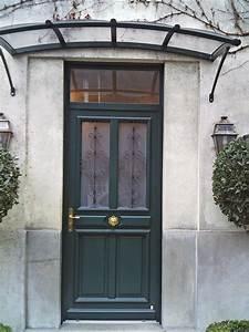 porte d39entree en bois de couleur verte et decoration en With porte d entrée en fer