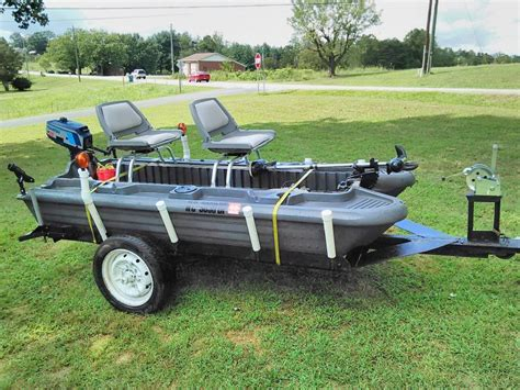 Bass Hunter Boat With Trailer by Wts Wtt Bass Hunter Ex 2 Man Pontoon Boat Reduced