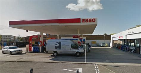 Mobile Garage Bracknell by Suspected Gunman Robs Petrol Station In Bracknell Get