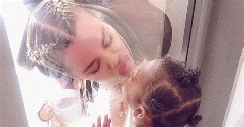 Khloe Kardashian playfully kisses daughter True in cute ...