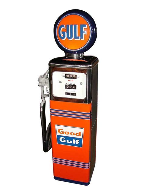 striking  gulf oil southwest model  service station ga