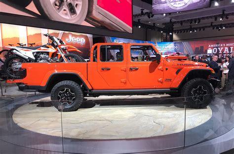 jeep gladiator unveiled   la motor show autocar