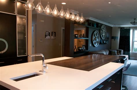 kitchen island  counter height eating area modern
