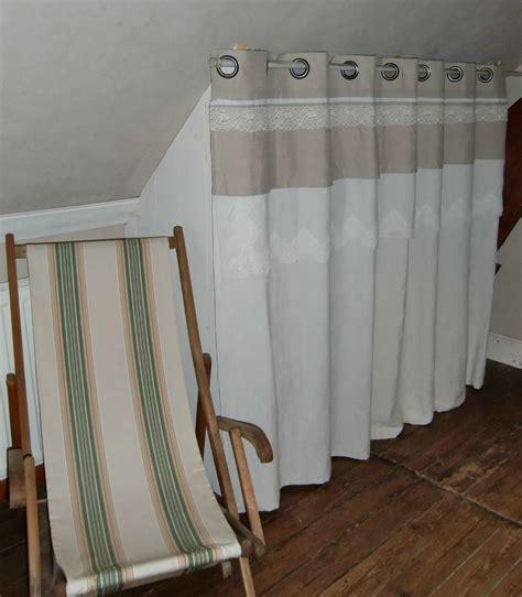 robe de chambre fille rideaux de placards blanche l 39 a fait