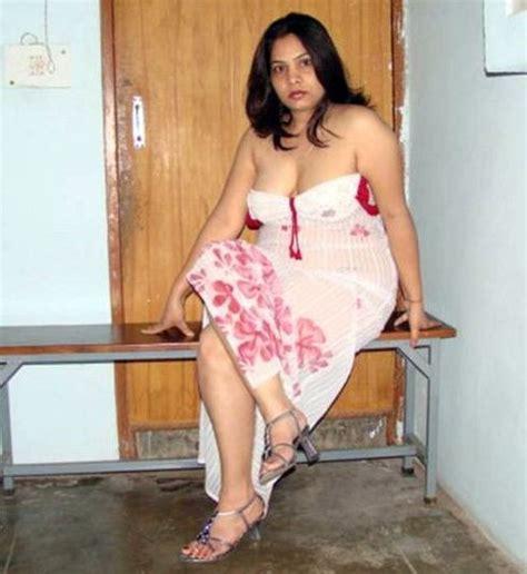 Desi Busty Hot Slim Aunty In Short Piece Dress ~ Hot