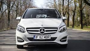 Class B Mercedes : 2015 mercedes benz b class review autoevolution ~ Medecine-chirurgie-esthetiques.com Avis de Voitures