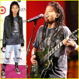 Willow Smith Performs at NYX Professional Makeup FACE ...