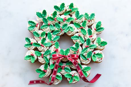 show stopping christmas cupcake wreath