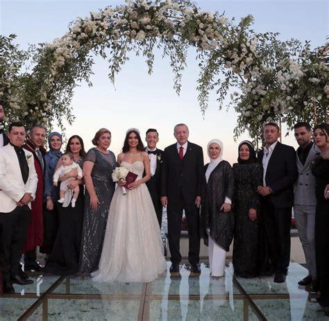 mesut oezil heiratet  istanbul erdogan als trauzeuge welt