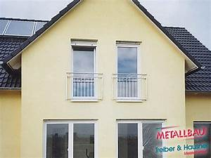 Metallbau treiber hausner franzosische balkone for Französischer balkon mit sonnenschirm neu bespannen