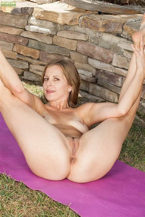Sexy Milf Melissa Rose S Naughty Kind Of Workout Milf Fox