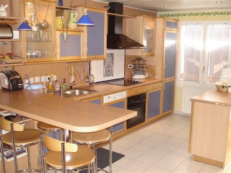 cuisine 駲uip馥 avec bar maison magny http maisonmagny zeblog com