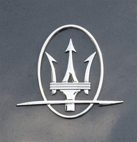 maserati jeep wrangler maserati logo images world of cars