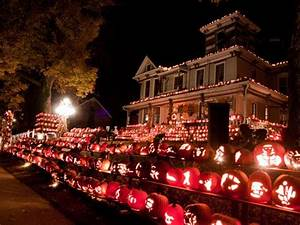 Halloween In Amerika : 15 amazing halloween celebrations across america virginia halloween festival and festivals ~ Frokenaadalensverden.com Haus und Dekorationen
