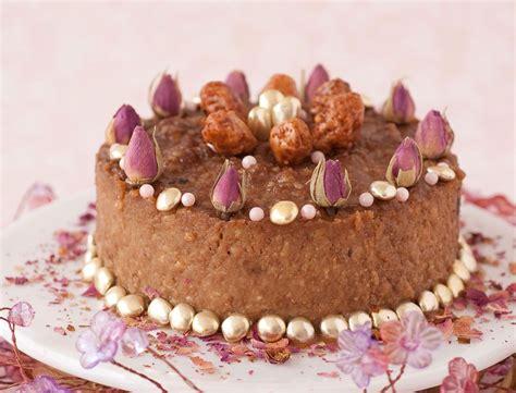 photo de gateau d anniversaire femme arts culinaires magiques