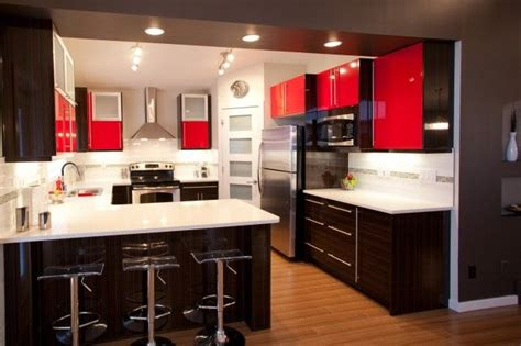 modern  shaped kitchen   peninsula wall