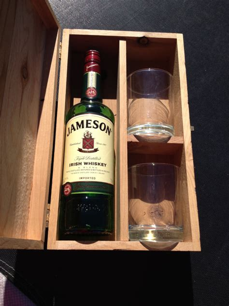 uniquie scotch christmas ideas handmade eco friendly whiskey gift box