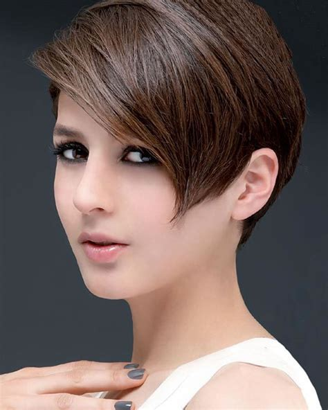 Latest Short Haircuts for Women: Curly, Wavy, Straight