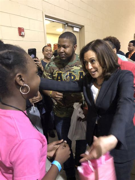 wrap  kamala harris  weekend  south
