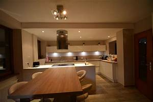 Cuisine Bois Et Blanc : cuisine blanche bois cuisine bois et blanc dans un ~ Dailycaller-alerts.com Idées de Décoration