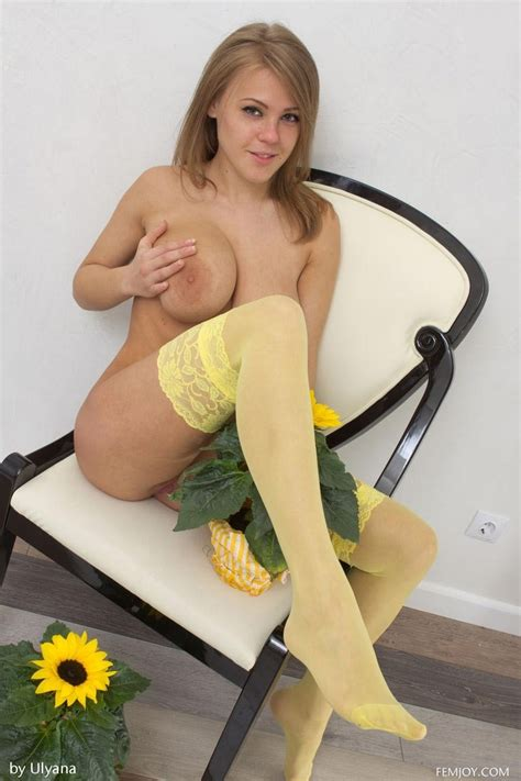 Viola Paige Topless In Yellow Stockings