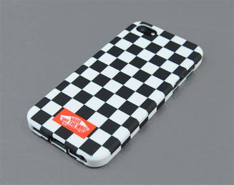 vans iphone 5 vans checker plate for apple iphone 5 sumally サマリー