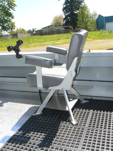 How To Remove Boat Seat Pedestal by Diy Boat Seat Pedestal Diy Do It Your Self