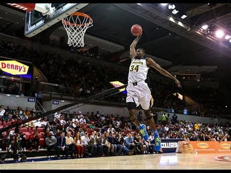 baylor shines   college slam dunk  point