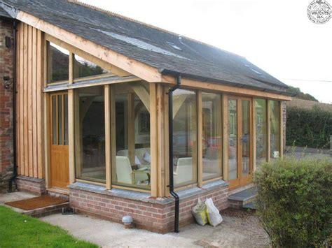 veranda en bois la v 233 randa en bois la noblesse et l 233 l 233 gance du bois consobrico