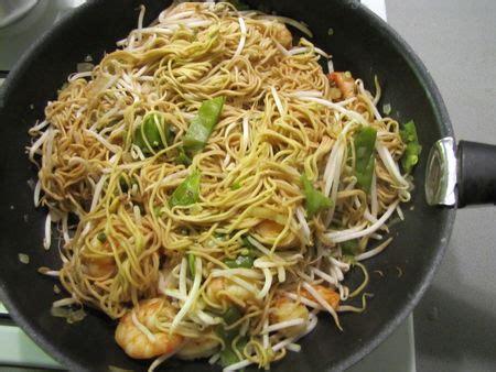 cuisiner nouilles chinoises wok aux scis et aux nouilles chinoises recette
