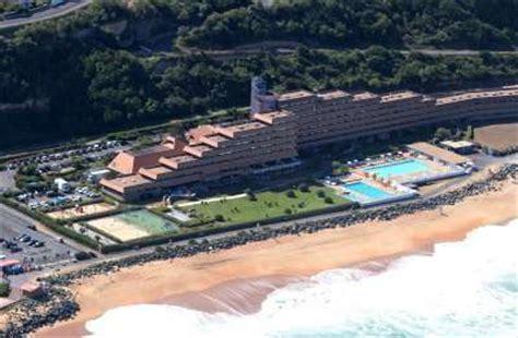 plage de la chambre d amour pays basque les plages d anglet restent fermées jusqu à