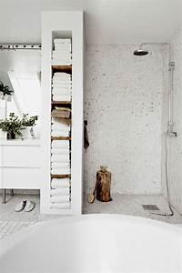 Grande Serviette De Bain : le porte serviette en 40 photos d 39 id es pour votre salle de bain ~ Teatrodelosmanantiales.com Idées de Décoration