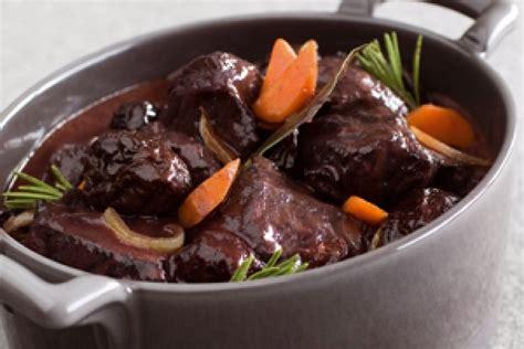 cuisiner la joue de porc marmiton recette de daube de joue de bœuf aux pruneaux