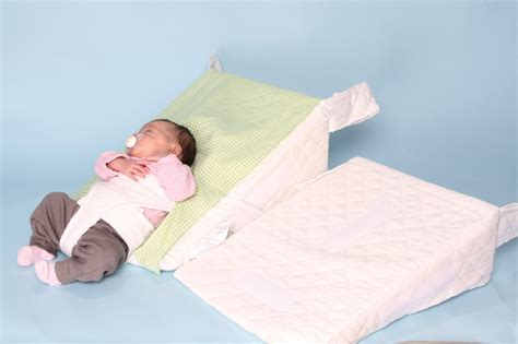 Bed Wedge Acid Reflux by 15 Degree And 30 Degree Acid Reflux Pillow For Baby In A