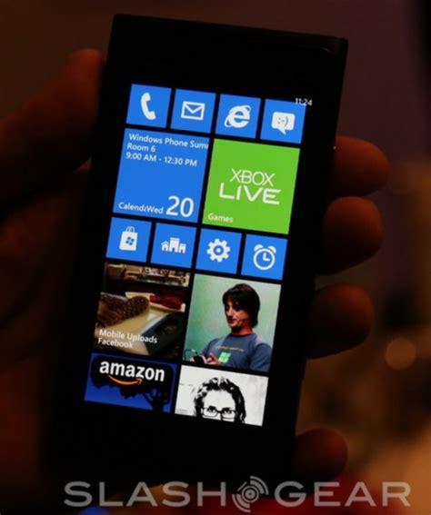 Windows Phone 7.8 Eyes-on - SlashGear