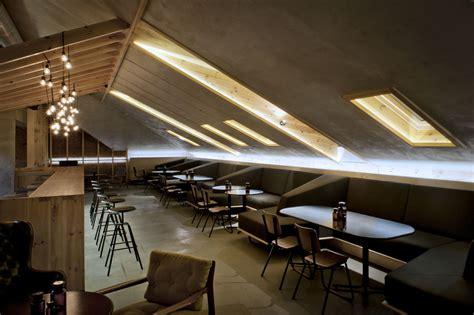 Un Bar In Mansarda Mansardait