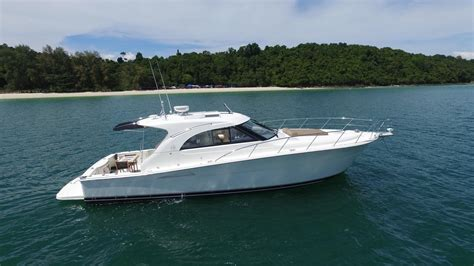 Riviera Express Boats by 2010 Riviera 43 Offshore Express Power Boat For Sale Www